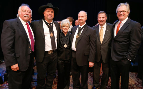 (l-r) CMA Chief Executive Officer Steve Moore; the 2012 Country Music Hall of Fame Inductees Garth Brooks, Connie Smith, and Hargus 'Pig' Robbins; Country Music Hall of Fame and Museum Chairman Steve Turner; and Country Music Hall of Fame and Museum Director Kyle Young; Photo: John Russell/CMA