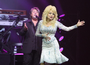 Dolly Parton und Richard Dennison; Foto: Christoph Volkmer