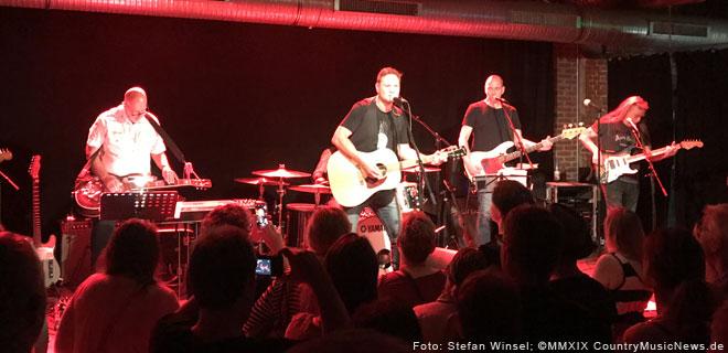 Fabian Harloff live in Hamburg